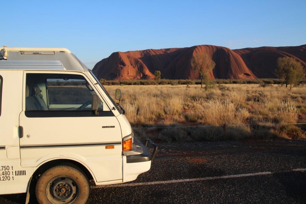 Wilson face à Uluru