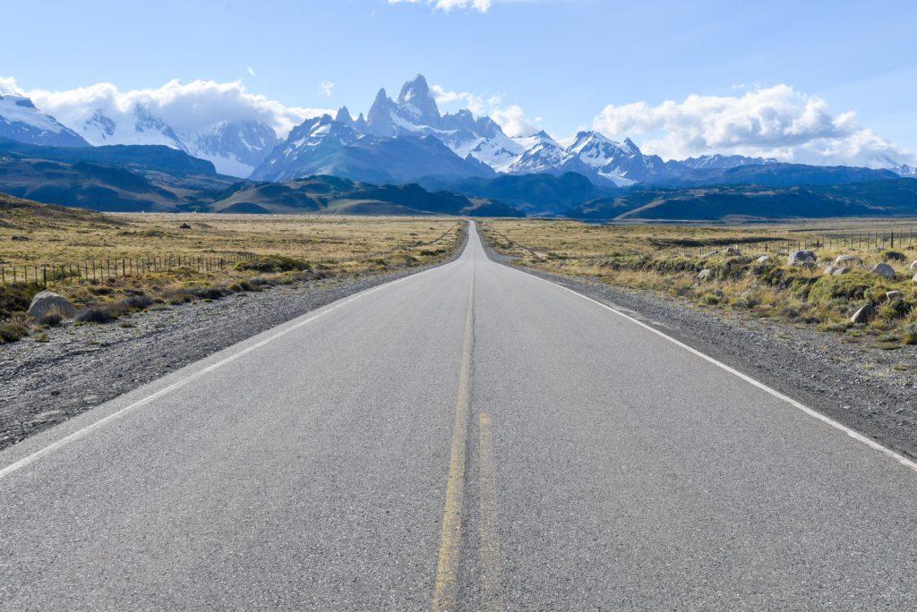 sur la route au Chili avec notre voiture